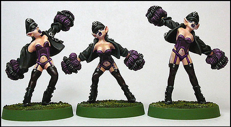GRIDIRON WICKED ELF CHEERLEADERS (3) - weibliche Blood Bowl Cheerleader (Dunkelelfen)